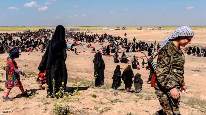 عناصر داعش اثناء هزيمتهم في الباغوز